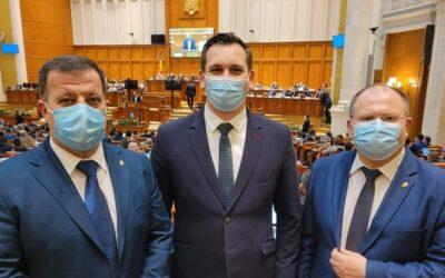 """Parlamentarii USR-PLUS își insultă electoratul cu """"victoria"""" bugetară"""